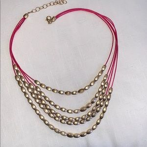 Jewelry - Super cute and spunky necklace